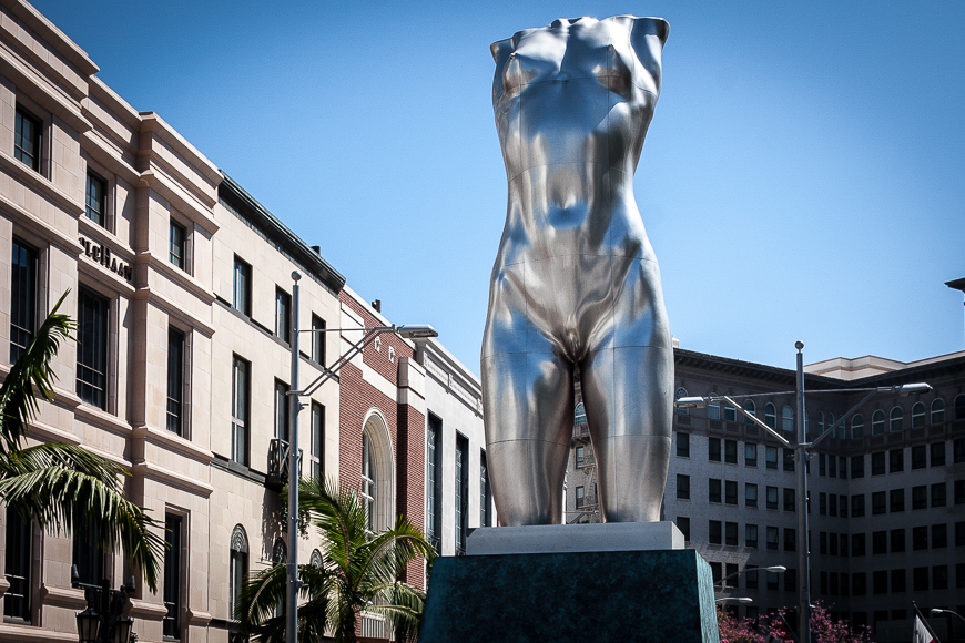 Torso statue at Entrance to Rodeo Drive